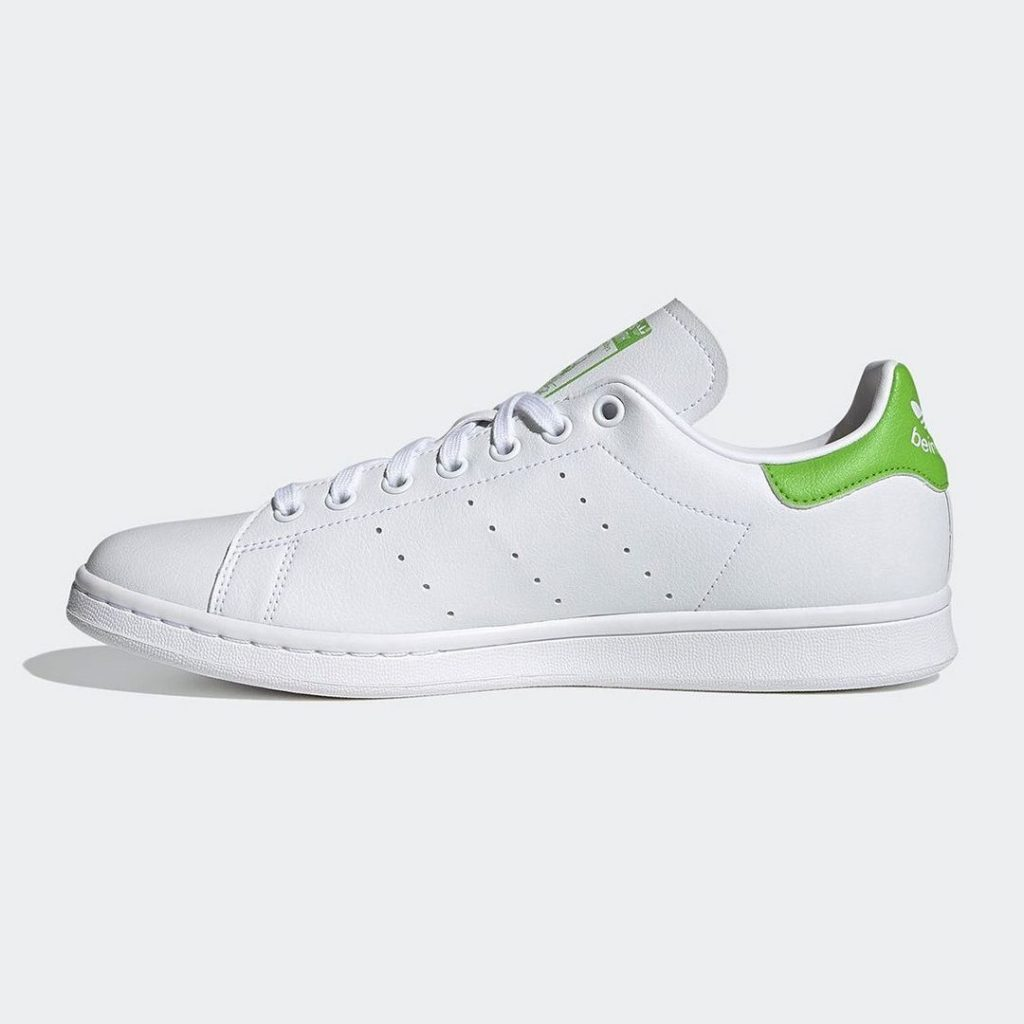 Adidas белые кроссовки
