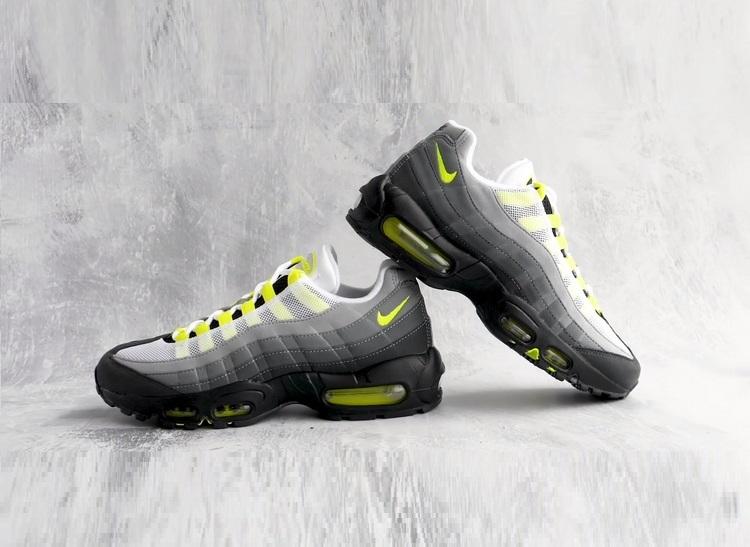 Кроссовки Nike Air Max 95 в новом году OG Neon 2020