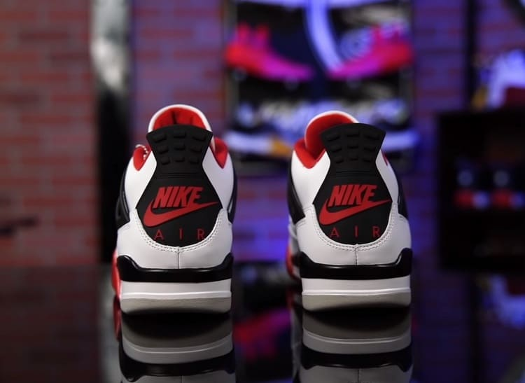 "Nike Jordan 4 Retro ""Fire Red"" 2020 года"